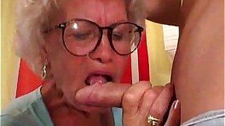 Grey light granny gets a good dick to suck under her boner - 6:59
