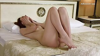 Shaved pussy without panties - 7:01