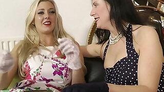 Classy lesbians eating pussy - 10:00