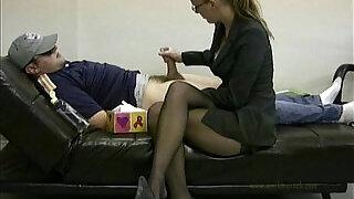 Lady boss masturbates her lazy employee to ignite him to work - 2:00