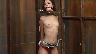 Amber Rayne Fucking Dungeon - 37:00