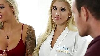 Stepmom seduce with erotic sex massage - 11:00