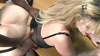 Mature slut sara jay is in her office and getting ass fucked - 6:00