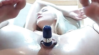 Hotblondyx Streching her Wet Vagina and Fingers Asshole Live on Cam - 7:00