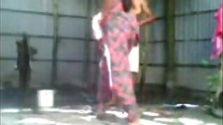 Indian Couple Fucking While Taking Bath
