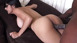 Big arab boobs and thick black rod - 5:00