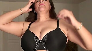 Busty milf Nicolette Parsons rubs her mature clit - 6:00