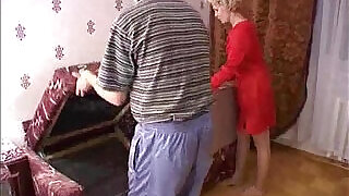 Russian mature mom and a friend of her son! Amateur! - 17:00