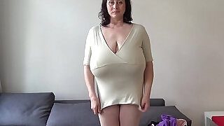 Euro MILF plays with macromastia hanging breasts - 14:00