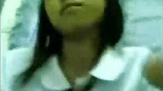 Estudyante Iniyot Habang walang tao sa Bahay - 3:00