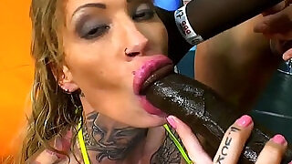 Whore swallowing cum loads - 10:00