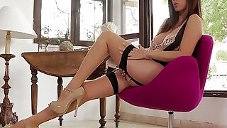 Gorgeous Jelena Jensen Does A HOT Vintage Pantyhose Show! - 7:00