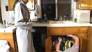 Cute Housewife Lily Leone Maddy Ring Blow Load - 11:52