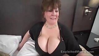 Chubby Interracial slut fucked in car - 39:03