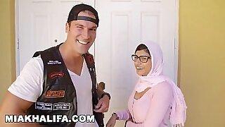 MIA KHALIFA In Hollywood Sessions - 14:25